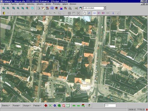 Ortofotogram zwarstwą sytuacyjną (miasto Olsztyn)